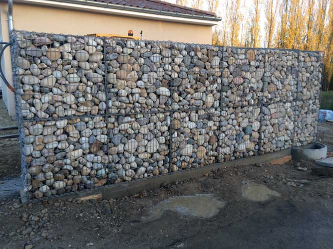 cr ation d un mur en gabion saint marcel en dombes paysage concept. Black Bedroom Furniture Sets. Home Design Ideas